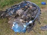 obrázek ke článku: Vozidlo se rozpůlilo o strom na Královehradecku