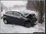 obrázek ke článku: Na sjetých pneumatikách dostal smyk a střetl se s protijedoucím vozidlem