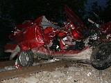 obrázek ke článku: Tři mladé životy vyhasly následkem dopravní nehody na přejezdu u Dobešic