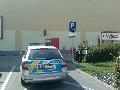 obrázek ke článku: Olomouc Kaufland parkování policie na vyhrazeném místě