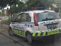 obrázek ke článku: Městská policie zachycena při parkování na chodníku
